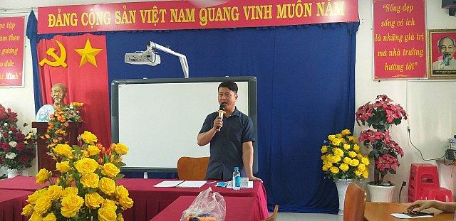 Bác sĩ Phạm Thanh Sơn - Phó trưởng phòng khám khu vực báo cáo viên