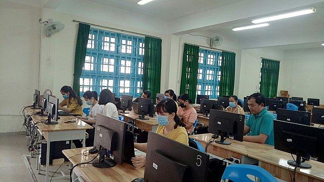 Các thầy cô đang ứng dụng phần mềm mạng học tập ViettelStudy
